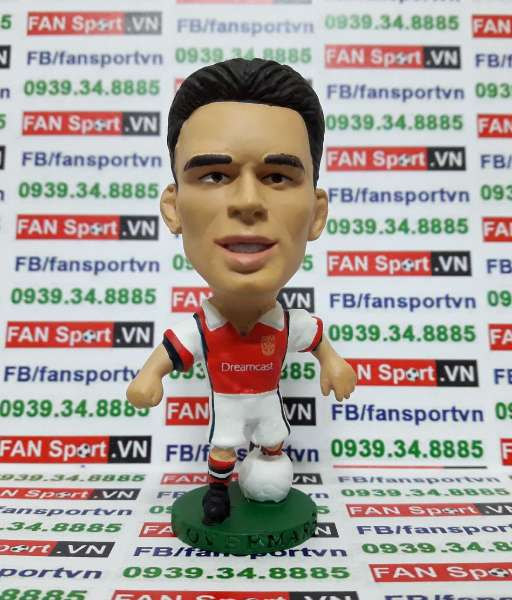 Tượng Marc Overmars Arsenal 1999-2000 home - corinthian PRO176