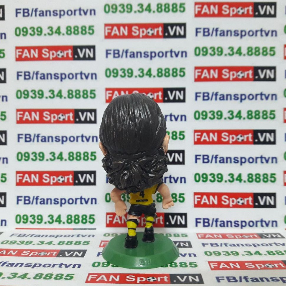 Tượng Neven Subotic Dortmund 2015-2016 home soccerstarz SOC882