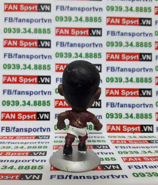 Tượng Patrick Vieira Arsenal 2005-2006 home microstars MC4322