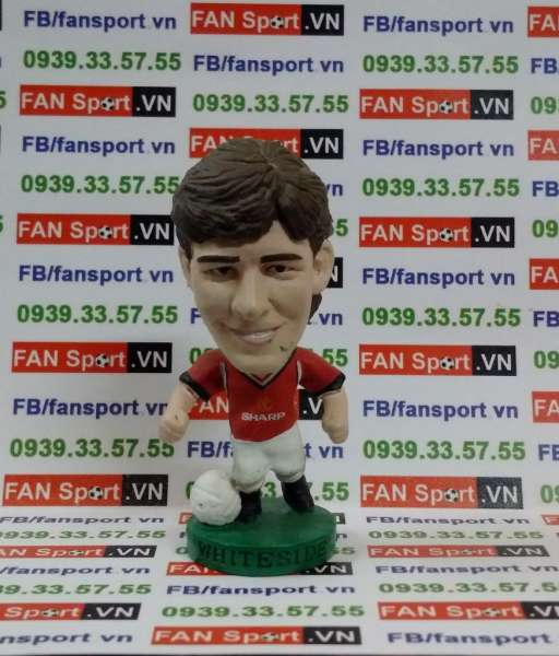 Tượng Norman Whiteside Manchester United 1984-1986 home corinthian