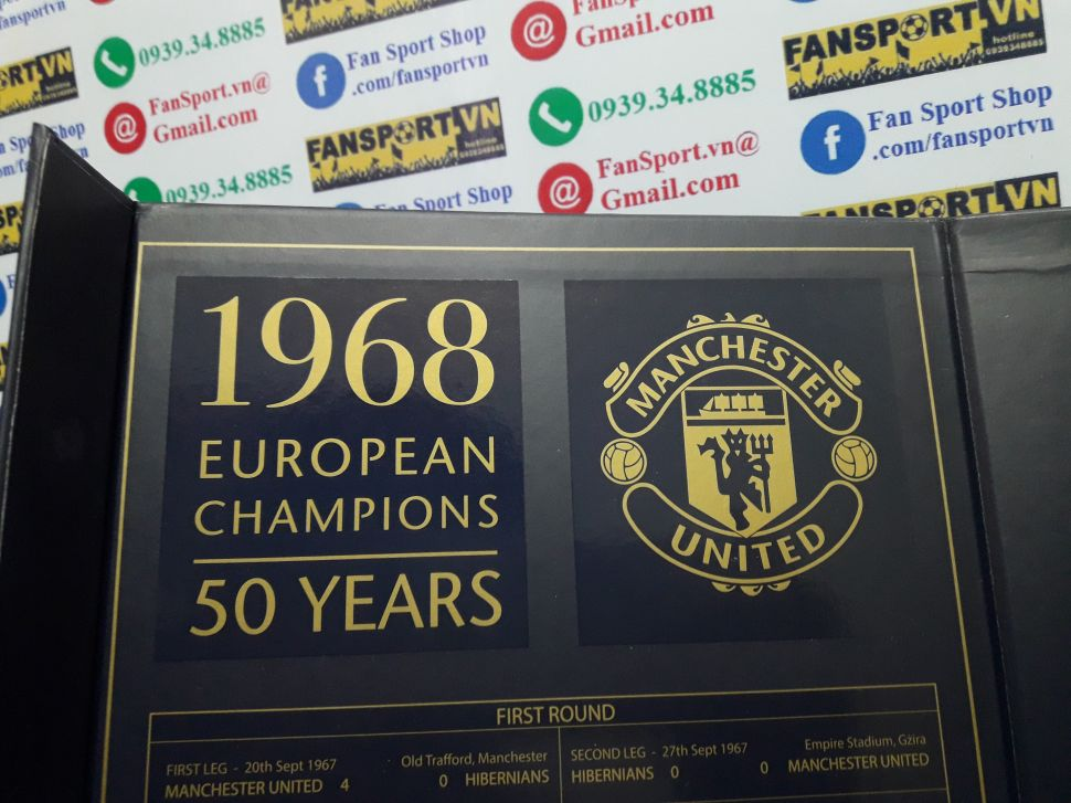 Badge 50 Years 1968 European Champions Manchester United box set shirt