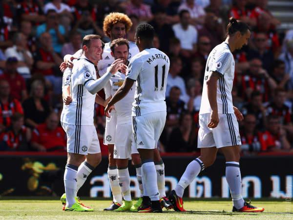 Áo đấu Martial #11 Manchester United 2016-2017 third white shirt