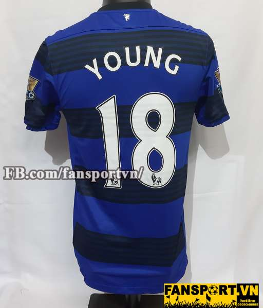 Áo đấu Young #18 Manchester United 2011-2012 away shirt jersey blue