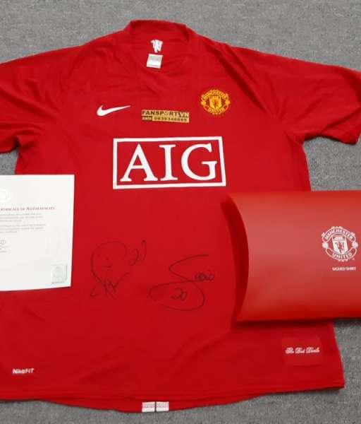 Áo đấu chữ ký Rafael & Fabio Manchester United 2007-2008-2009 COA box