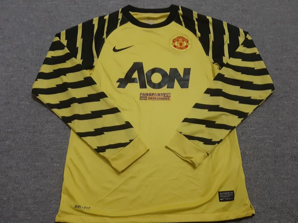 Áo thủ môn Manchester United 2010-2011 third goalkeeper yellow