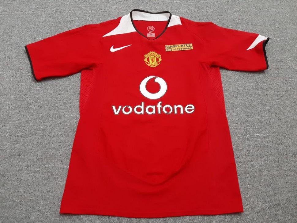 Áo đấu Manchester United 2005-2006