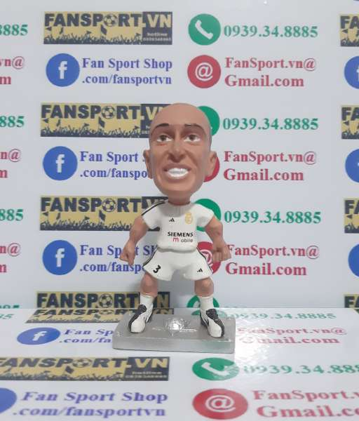 Tượng Roberto Carlos Real Madrid 2003-2004 home grey base figure