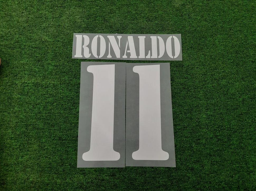 Font Ronaldo #11 Real Madrid 2002-2003 away white nameset