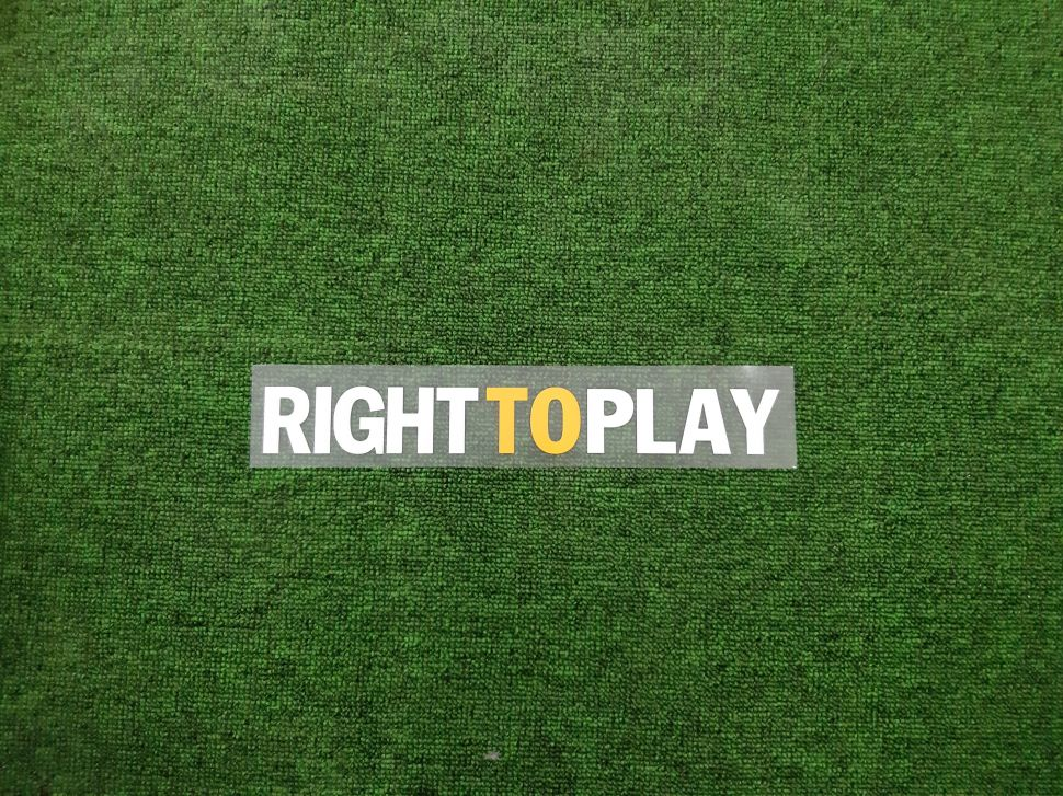 """Decal """"Right To Play"""" Chelsea 2011-2012 home shirt"""
