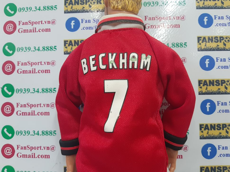 Tượnh David Beckham #7 Manchester United Hero Treble 1999 figure red