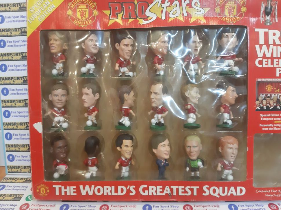 Box 1999 Manchester United Treble celebration pack corinthian figures