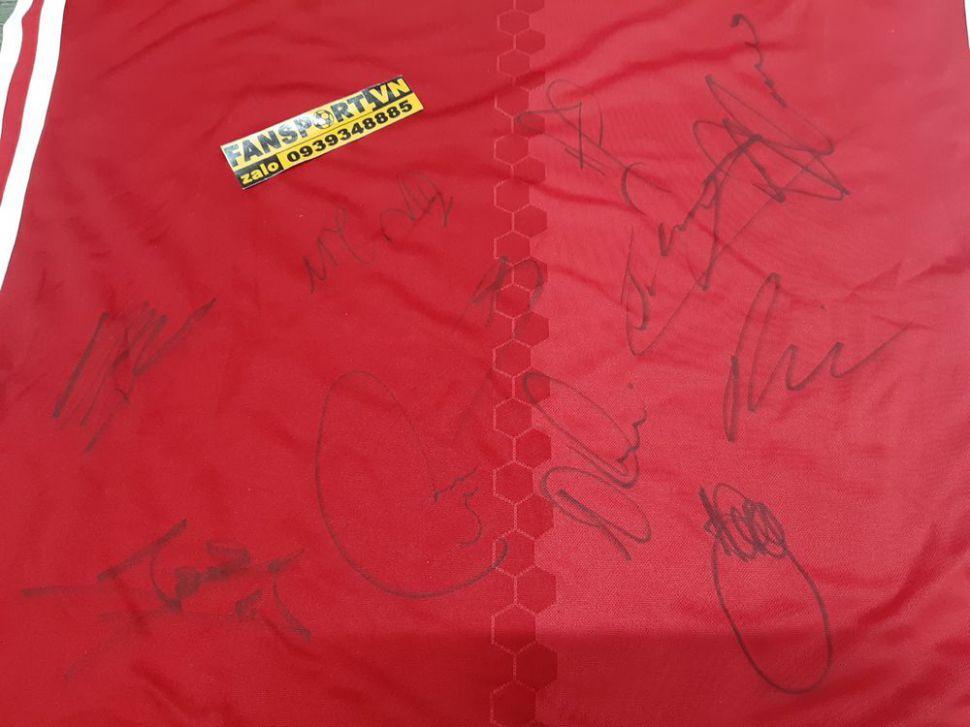 Box áo ManUtd 2016-2017 chữ ký home red shirt team signed COA
