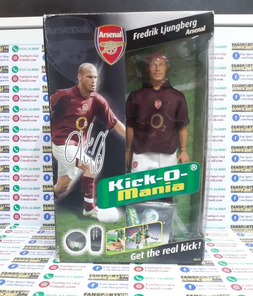 Tượng Ljungberg #8 Arsenal 2005 2006 home Kick-O-Mania figures box