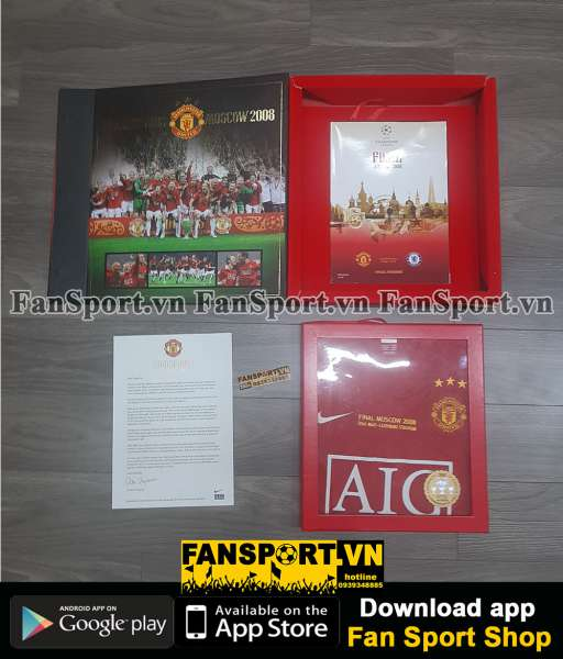 Box 2008 Manchester United Winner Champion League home shirt limited
