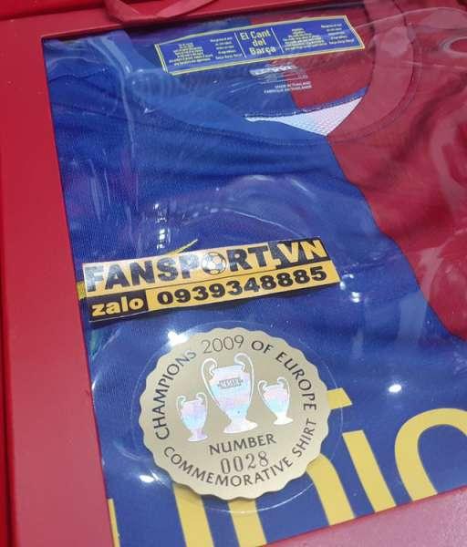 Box shirt Barcelona Champion League Winner 2009 jersey limited home