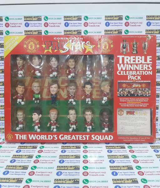 Box 1999 Manchester United Treble Yorke signed celebration corinthian