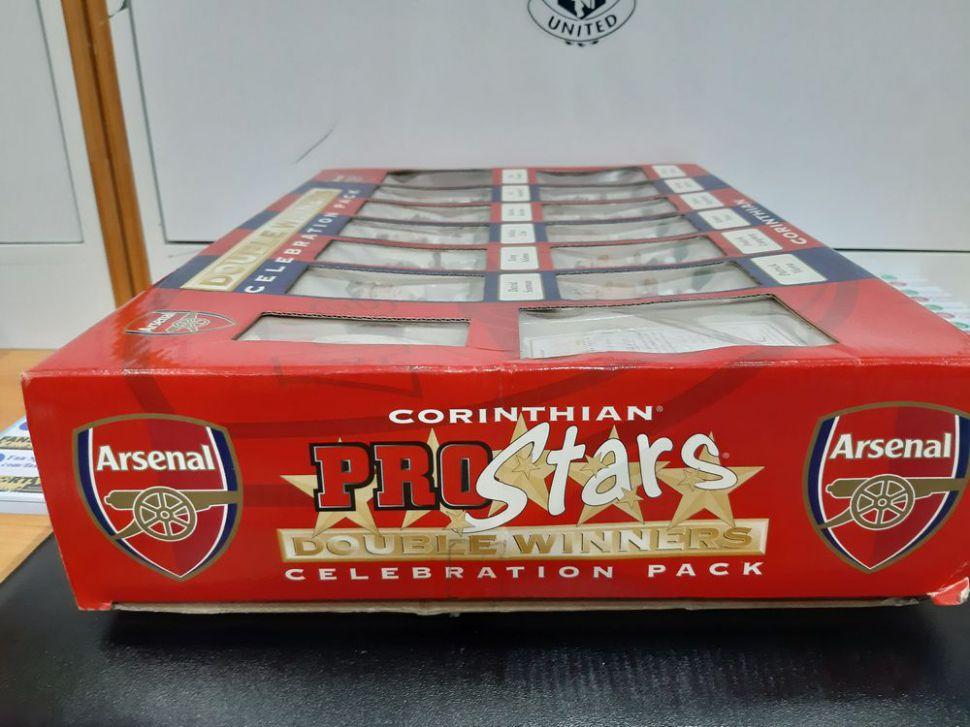 Box Arsenal 2001-2002 double winners Celebration pack corinthian 0341