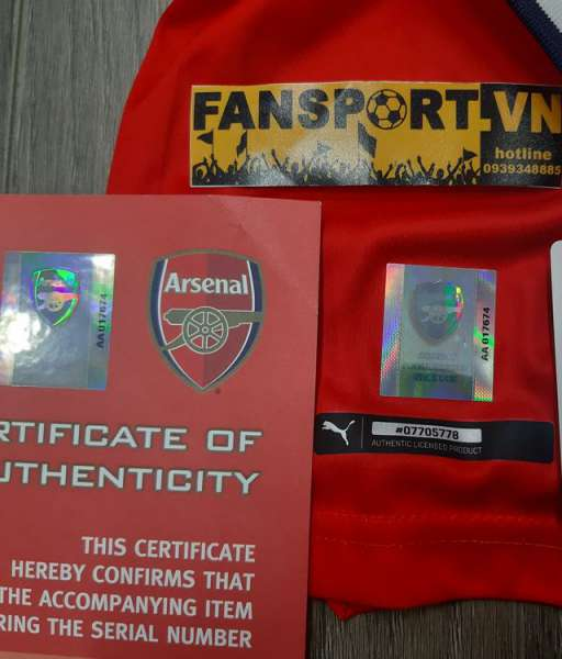 Box Arsène Wenger signed Arsenal 2016-2017 home shirt COA limited set