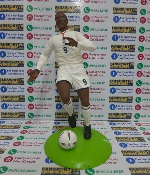 Tượng Emile Heskey 9 England 2003 2004 2005 home figure 25cm