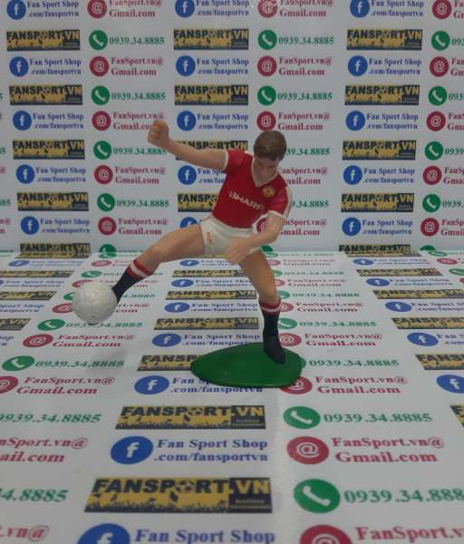 Tượng Mark Hughes 10 Manchester United 1984-1986 home FT Champs figure