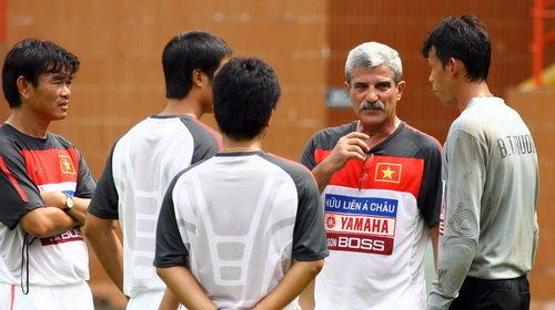 Áo tập luyện Việt Nam 2010-2011 trắng white shirt Nike training player