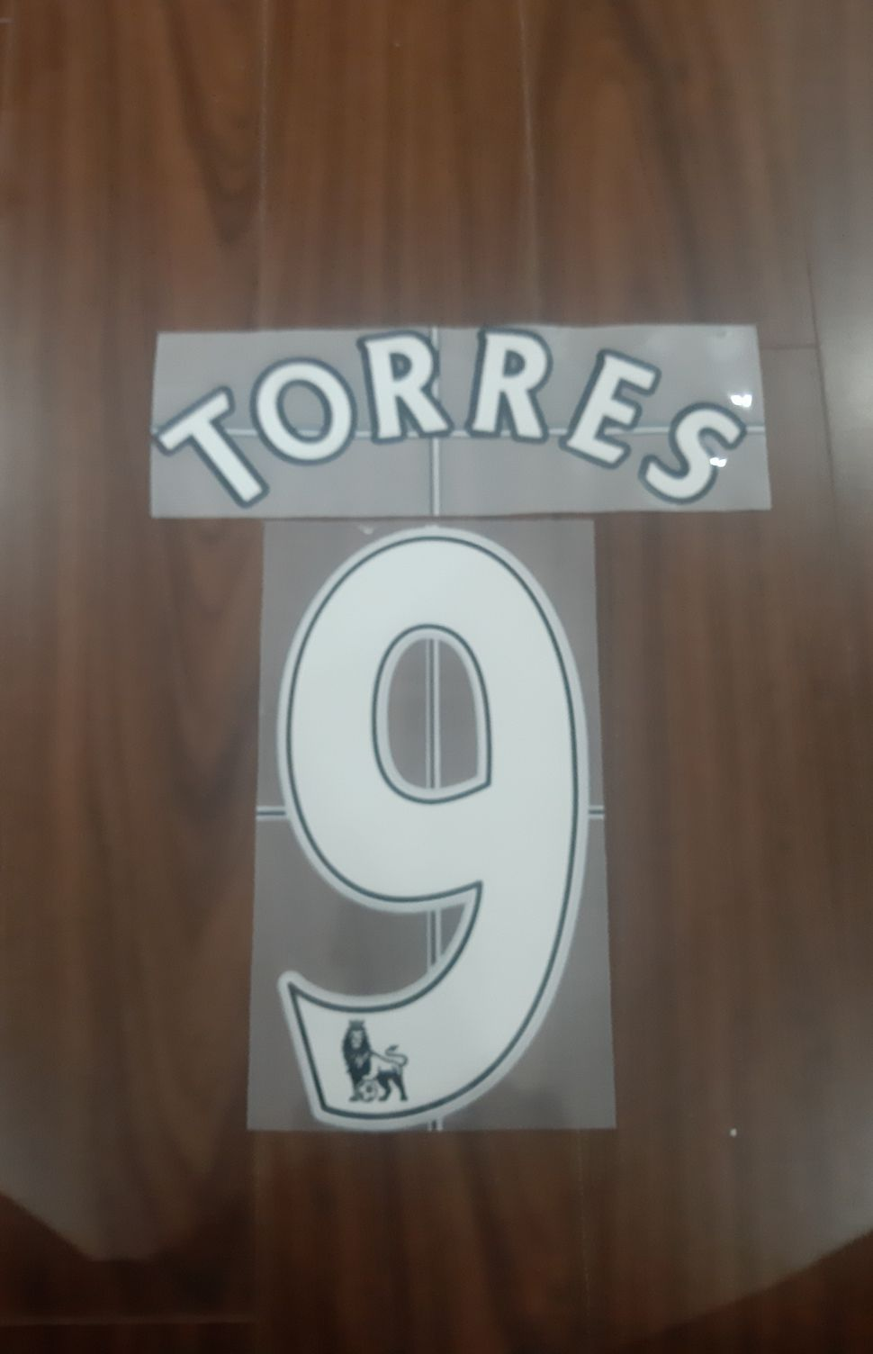 Font Torres 9 Liverpool Premier League 2007-2013 white nameset
