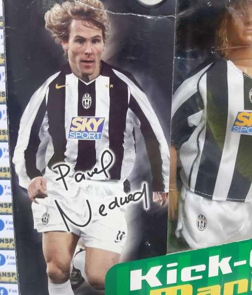 Tượng Pavel Nedved 11 Juventus 2004 2005 home Kick-O-Mania figures box