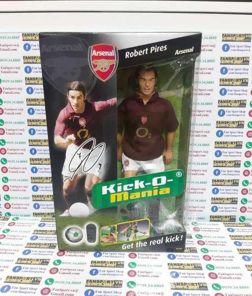 Tượng Robert Pires #7 Arsenal 2005 2006 home Kick-O-Mania figures box