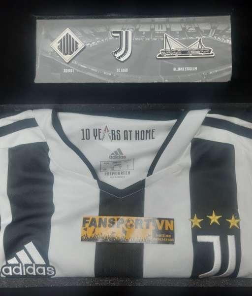 Box áo Juventus 2021 2022 home 10 year at home Allianz GS1442 adidas L