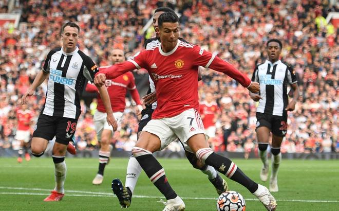 Programme Manchester United 4-1 Newcastle Ronaldo home 11-09-2021